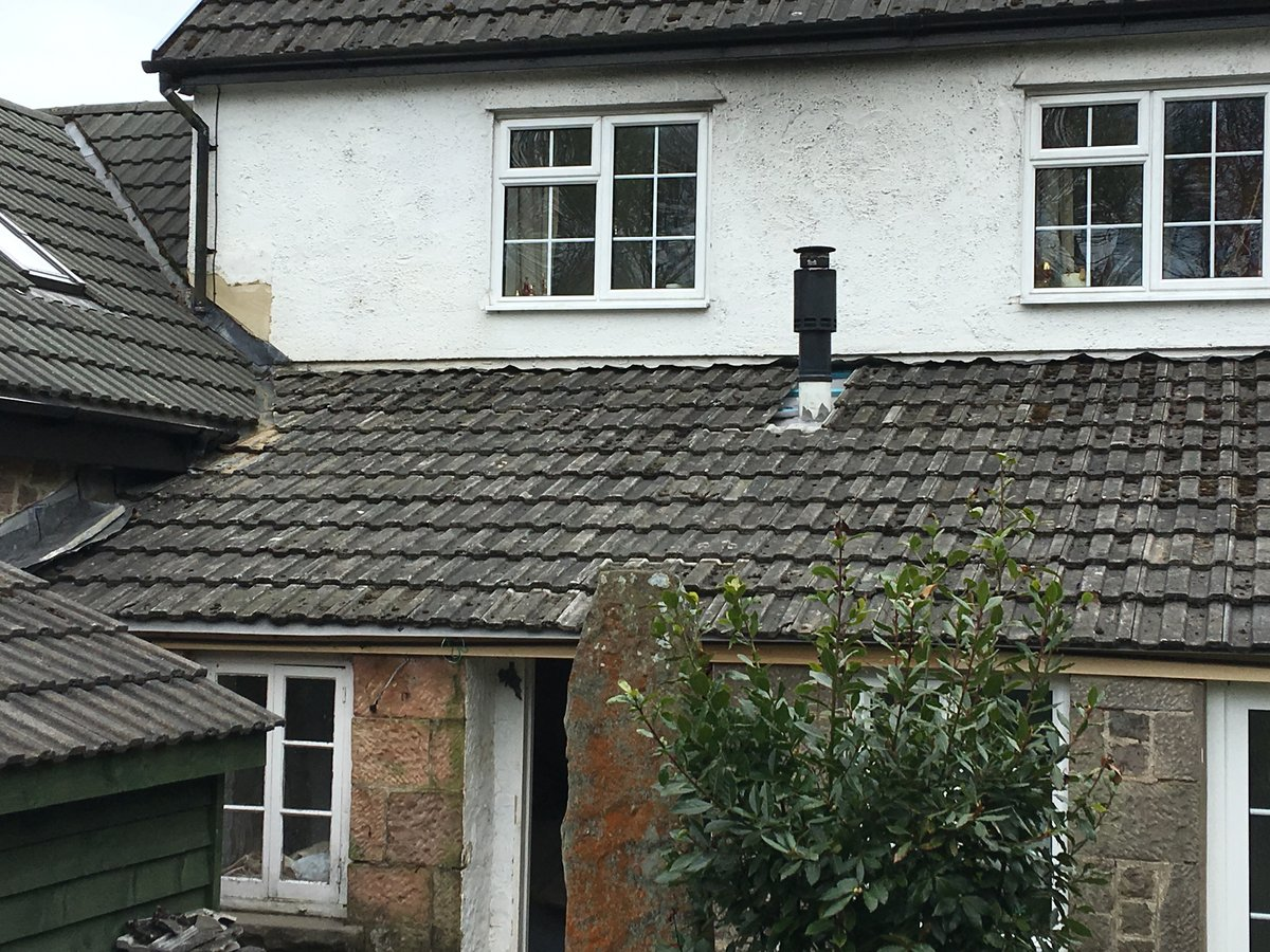 Image of new roofing felt and battens velux window cleddon