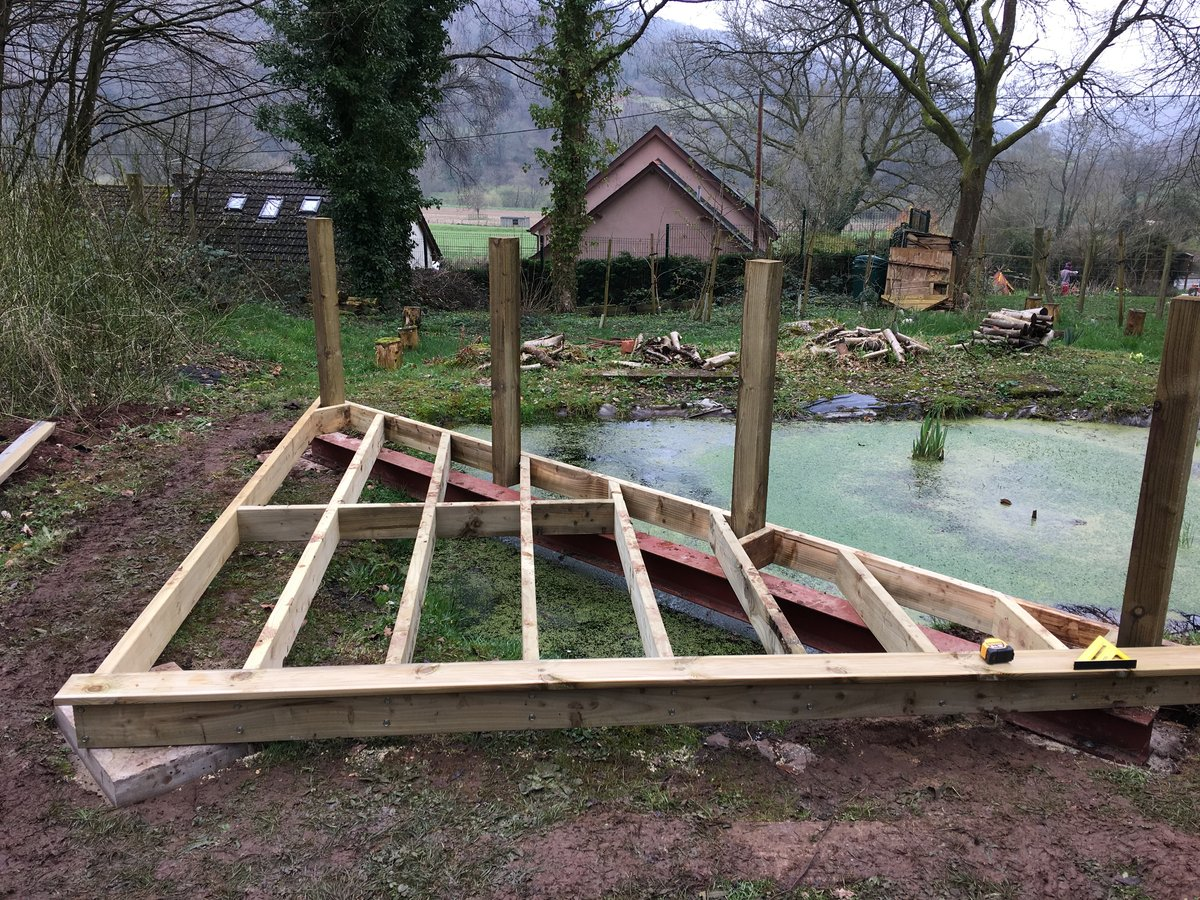 Image of pond corner decking llandogo school